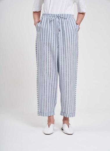 Mizalle Mızalle Çizgili Parça Detaylı Pantolon  Mavi